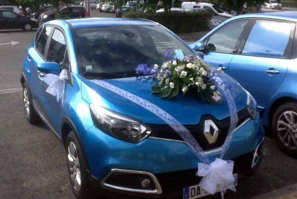 Décoration florale pour voiture